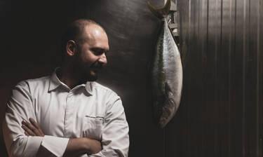 O διάσημος Chef λύνει τη σιωπή του
