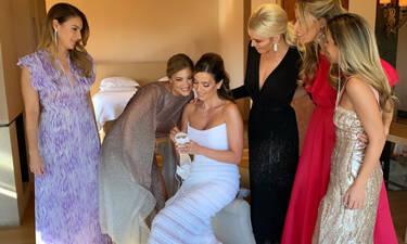 Λαμπερός γάμος στην showbiz με τις πιο διάσημες κουμπάρες (photos)