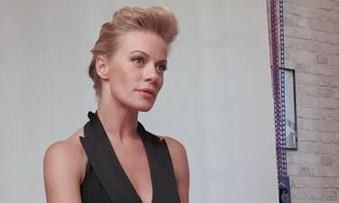 Ζέτα Μακρυπούλια: Πιο ανανεωμένη από ποτέ! Το νέο look και το φόρεμα που έκλεψε τις εντυπώσεις