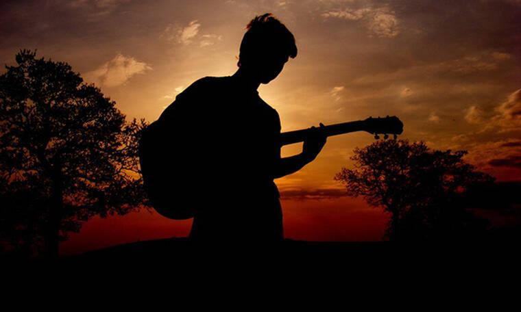Το άγνωστο δράμα λαϊκού τραγουδιστή: Έχασε τη γυναίκα του σε ηλικία 34 χρόνων (photos)