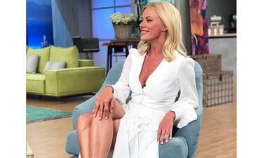Όταν η Μαρέβα Μητσοτάκη «ντύνει» τη Ζέτα Mακρυπούλια! Το λευκό φόρεμα που σε ξετρέλανε (Photos)
