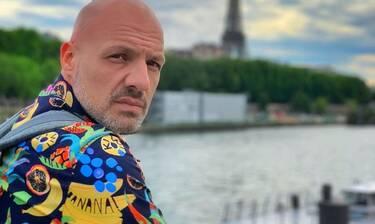 Νίκος Μουτσινάς: Θα μας τρελάνει! Δείτε τι hashtag χρησιμοποιεί στις φωτογραφίες του (Photos)