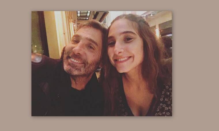 Θοδωρής Αθερίδης: Θα λιώσετε! Ταΐζει τον εγγονό του με το μπιμπερό! (Photos)