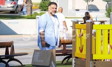 Γρηγόρης Αρναούτογλου: Σόλο περίπατος για ψώνια στη λιακάδα! (photos)