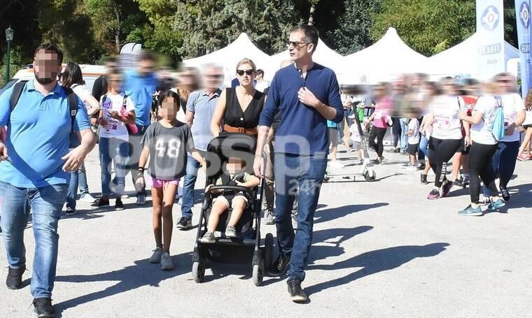 Μπακογιάννης-Κοσιώνη: Η οικογενειακή βόλτα στο Ζάππειο και η εμφάνιση της Σίας που δεν περιμέναμε!