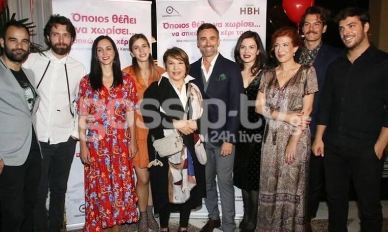 Γιώργος Καπουτζίδης: Βρεθήκαμε στο πάρτι για το πρώτο θεατρικό του έργο (photos&video)