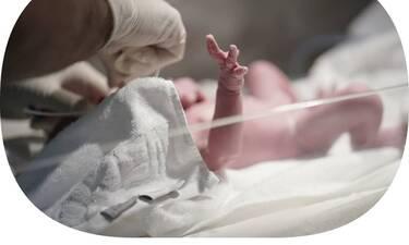 Δεν προλάβαμε να μάθουμε ότι είναι έγκυος & γέννησε! Ευχάριστα τα νέα για την Ελληνίδα τραγουδίστρια