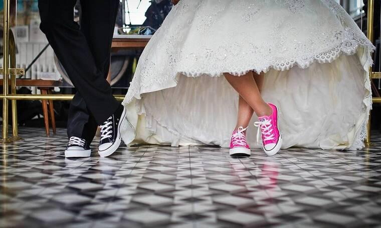 Λαμία: Υποψήφια δημοτική σύμβουλος τους έβγαλε... ξινό τον γάμο - Δείτε τι έκανε (pics)