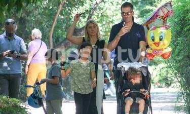 Μπακογιάννης-Κοσιώνη: Βόλτα στη λιακάδα και στον Εθνικό κήπο με τα παιδιά! (photos)