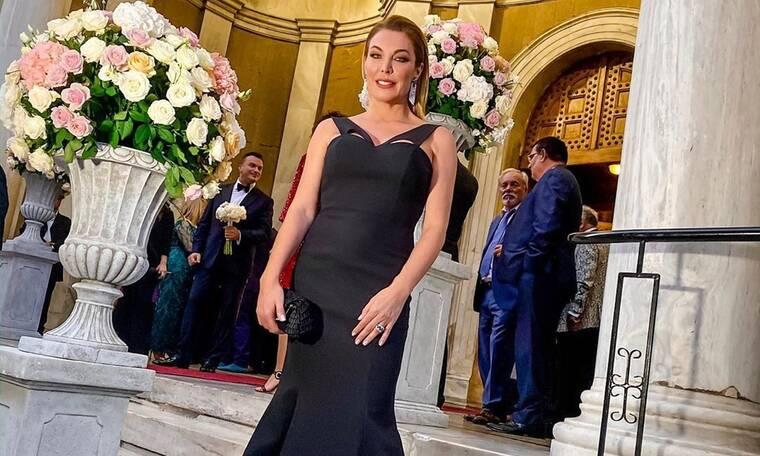 Λαμπερός γάμος στο Κολωνάκι με κουμπάρα την Τατιάνα Στεφανίδου (photos)