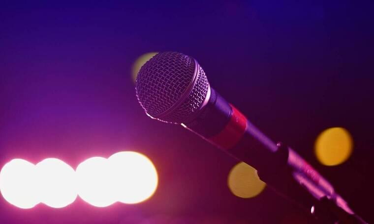 Απέραντη θλίψη: Έφυγε από τη ζωή γνωστός Έλληνας τραγουδιστής (Photos)