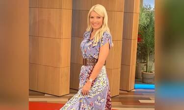 Αναρωτιόσουν ποιο είναι το χρώμα της σεζόν; Η Ελένη Μενεγάκη μόλις το φόρεσε και θα σε συναρπάσει!
