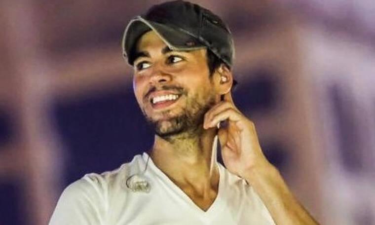 Enrique Iglesias: Παίζει με τα δίδυμα παιδιά του και τρελαίνει το διαδίκτυο (vid)