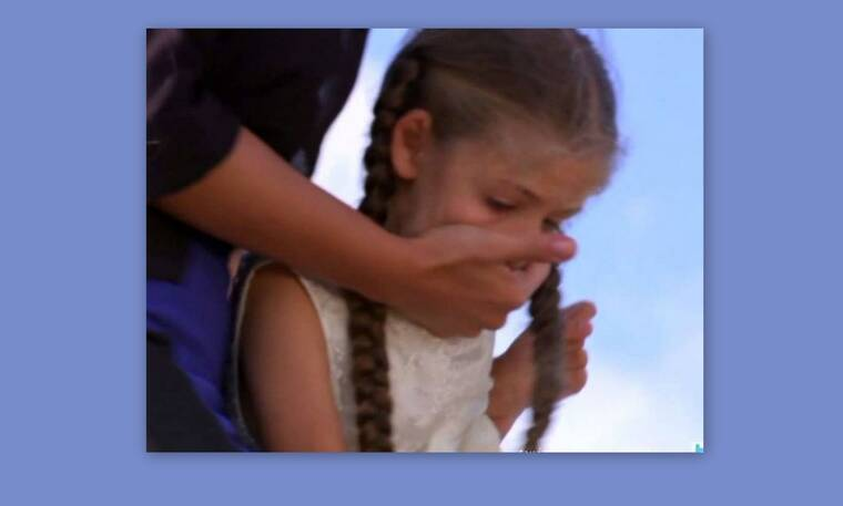 Elif: ΣΟΚ! Η Αρζού αρπάζει την Ελίφ, τη δένει και επιχειρεί να της βάλει φωτιά! (Photos & Video)