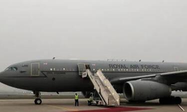 Σε κατάσταση έκτακτης ανάγκης William και Kate Middleton! Δεν προσγειώθηκε το αεροσκάφος τους (Pics)