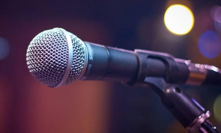 Γνωστός τραγουδιστής δηλώνει: «Έχασα στο χρηματιστήριο χρήματα» (photos)