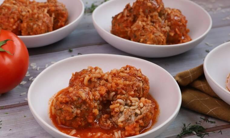 Γιουβαρλάκια με κόκκινη σάλτσα- Να γλείφεις τα δάχτυλά σου