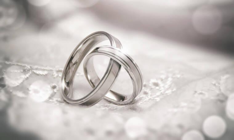 Πασίγνωστος Έλληνας ηθοποιός παντρεύεται και το ανακοίνωσε στο facebook (photos)