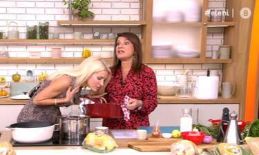 Ετοιμάσου να δεις την Ελένη που αγάπησες! Την πήραν οι μυρωδιές και έγινε sexy μέσα στην κουζίνα