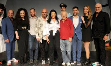 Θέατρο Αθηνά-«Happy Birthday ΕΛΛΑΣ»: Στη Συνέντευξη Τύπου της πολυαναμενόμενης παράστασης!