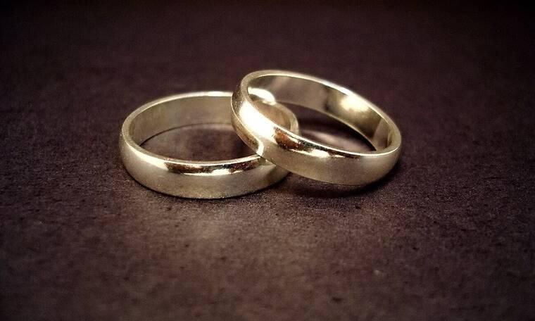 Γάμος στην ελληνική showbiz – Το ανακοίνωσε στο facebook (photos)