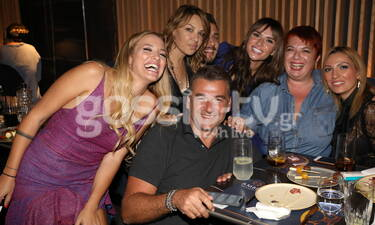 Ο Λιάγκας έκανε πάρτι με τους συνεργάτες του και έγινε ο… χαμός! (photos+video)