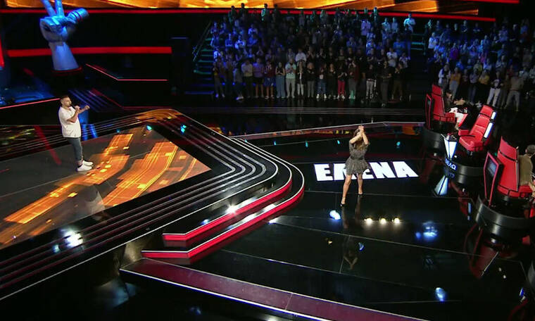The Voice: Τραγούδησε παραδοσιακά, έκανε την Παπαρίζου να χορέψει αλλά της την «είπε» - Τι συνέβη;