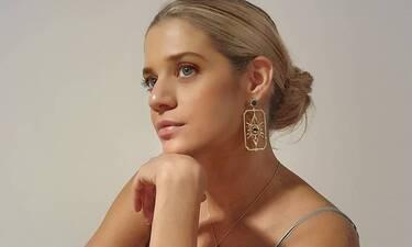Θυμάστε την Τζένη Θεωνά ξανθιά; Ξεχάστε την! Άλλαξε τα μαλλιά της και είναι μία... άλλη! (pics+vid)