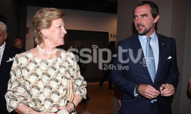 Άννα Μαρία: Σπάνια δημόσια εμφάνιση, συνοδευόμενη από τον γιο της Νικόλαο! (photos)