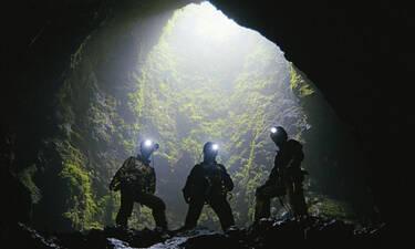 Ανατριχίλα: Δες τι βρήκαν οι ερευνητές σε σπηλιά και έφυγαν τρέχοντας!