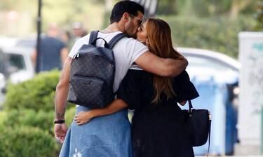 Ετεοκλής Παύλου: Ο άντρας της Ελένης Χατζίδου αλλάζει το μωρό και η φωτό γίνεται viral (Photos)