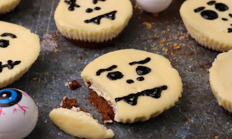 Ατομικά halloween cheesecake από τον Γιώργο Τσούλη