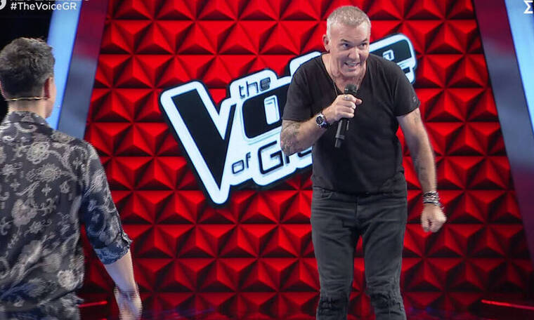 The Voice: Αυτό κι αν είναι έκπληξη! Ο Στέλιος Ρόκκος στη σκηνή του μουσικού σόου (Pics-Vid)