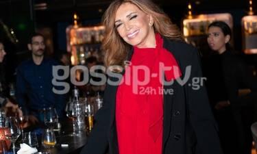 Μιμή Ντενίση: «Έκλεψε» τις εντυπώσεις με το κατακόκκινο σύνολό της (Photos)