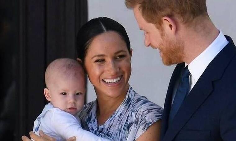 Meghan Markle - Πρίγκιπας Harry:Ο μικρός Άρτσι μεγάλωσε! Μπουσουλάει κι έβγαλε τα πρώτα του δοντάκια
