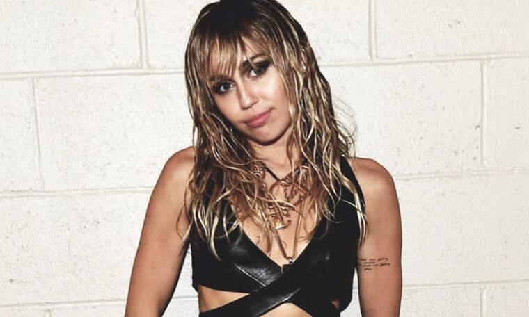 Η Miley Cyrus ξεκίνησε να κάνει unfollow στο Instagram και υπάρχει λόγος