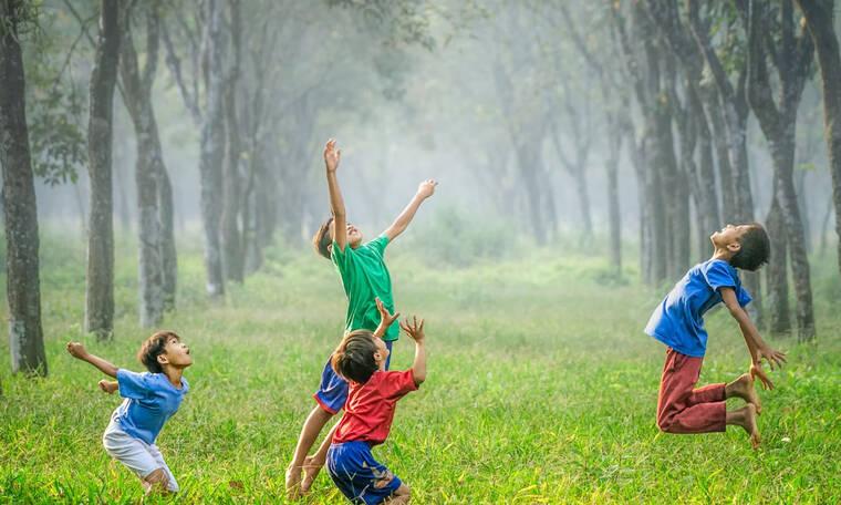Έρευνα: η παιδική ηλικία κοντά στην φύση σε μετατρέπει σ' έναν υγιή ενήλικα