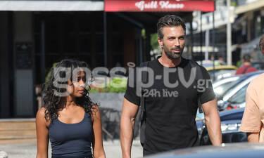Θοδωρής Θεοδωρόπουλος: Βόλτα με χάδια για το ζευγάρι στη Γλυφάδα (photos)