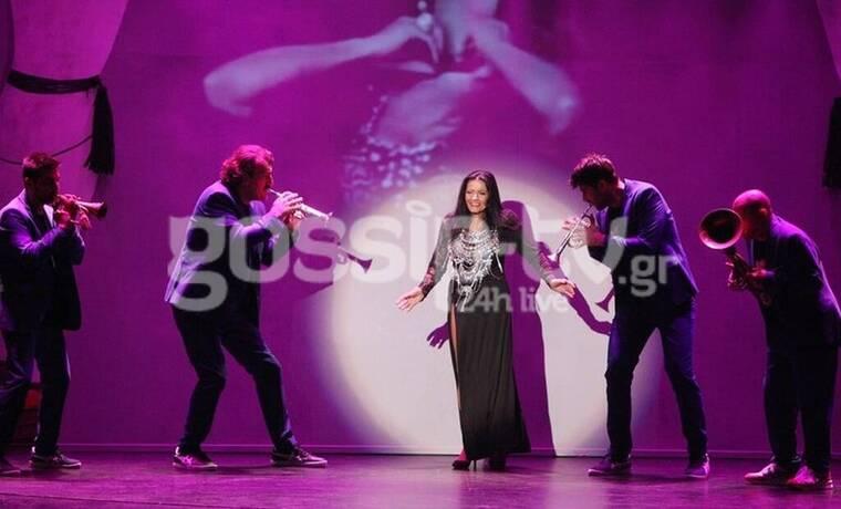 Θέατρο Αθηνά: «Happy Birthday ΕΛΛΑΣ»: Κοσμοσυρροή στην παράσταση της χρονιάς