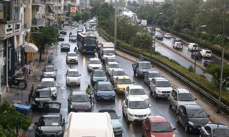 Κλειστοί δρόμοι και πάλι στην Αθήνα: Κυκλοφοριακές ρυθμίσεις και μποτιλιάρισμα (Χάρτης)