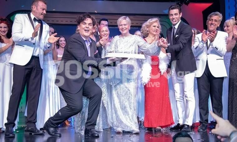 Έρρικα Μπρόγιερ: Επέστρεψε στο θέατρο και γιόρτασε τα γενέθλιά της επί σκηνής (Photos)