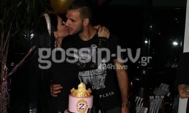 Θεοδωροπούλου - Ταχτσίδης: Τα τρυφερά φιλιά στο πάρτι γενεθλίων της και οι επώνυμοι καλεσμένοι(Pics)