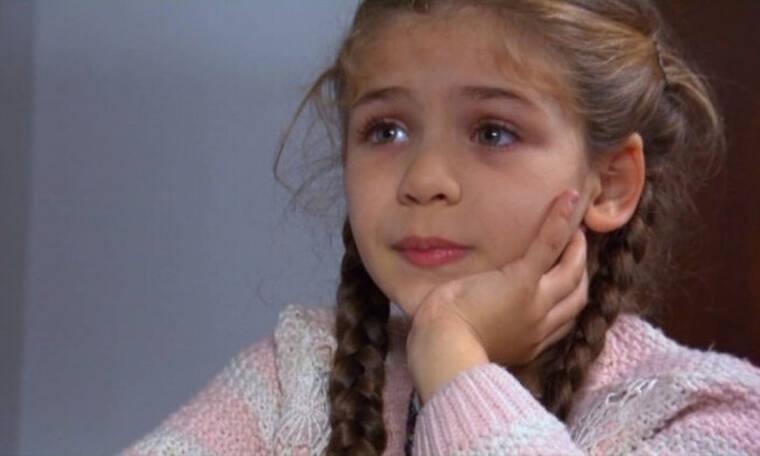 Elif: Η Ελίφ πέφτει και χτυπάει μέσα στην τάξη! (Photos)