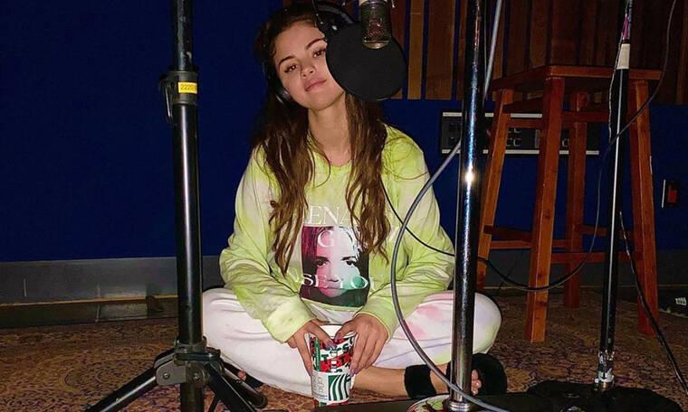 H Selena Gomez κάνει το ένα σχόλιο μετά το άλλο για την Bella και οι παρεξηγήσεις συνεχίζονται