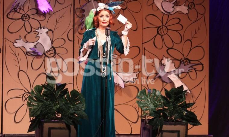 Μπέττυ Μαγγίρα: Πήγε στην πρεμιέρα της αδερφής της και μαγνήτισε τα βλέμματα! (Photos)