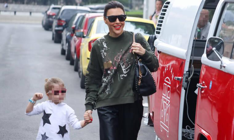 Η Σίσσυ Φειδά με την κόρη της έχουν το ίδιο look (photo)