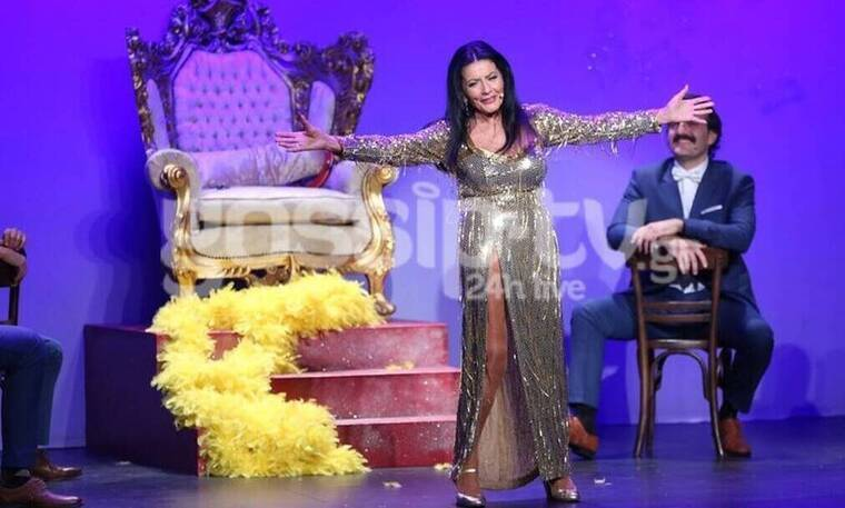 Θέατρο Αθηνά: Happy Birthday Ελλάς: Η παράσταση που θα σε συναρπάσει! (Photos)