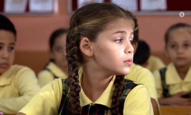 Elif: Σοκ! Η Μπερίλ σπρώχνει στο σχολείο την Ελίφ από τις σκάλες (Photos)