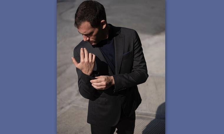 Συγκλονίζει ο Αντίνοος Αλμπάνης: «Χρειάστηκε δύο φορές να διακόψω στα μισά την παράσταση για λίγο»