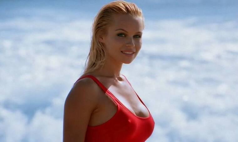 Κόλαση! Η Πάμελα Άντερσον σε καυτή φωτογράφιση αλά Baywatch (pics)